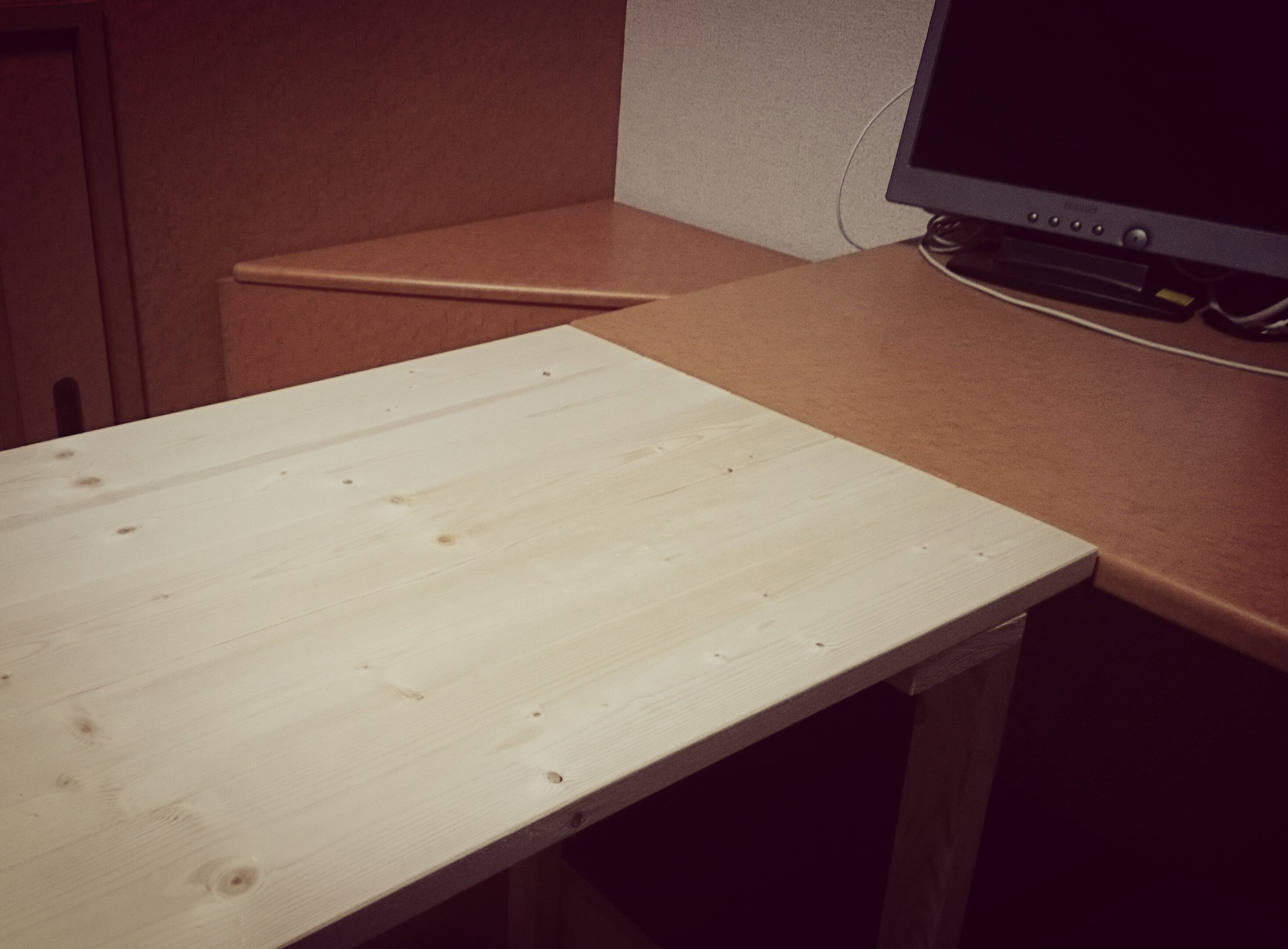 diy_work_desk_3